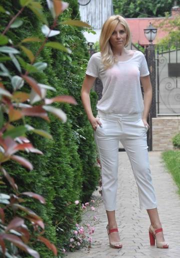 Pantaloni albi 3/4 P305A 1